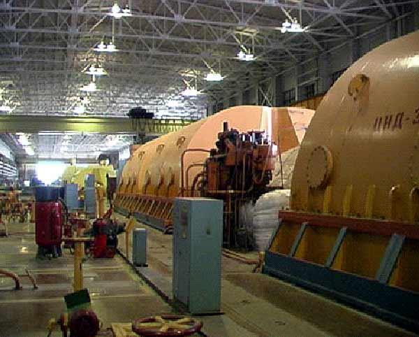 Турбинный зал первой очереди ЛАЭС